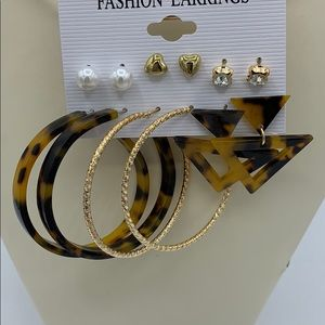 New Pack of 6 Earrings Mixed Styles